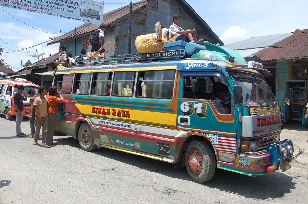 Bus Sinar Raya-Simalungun